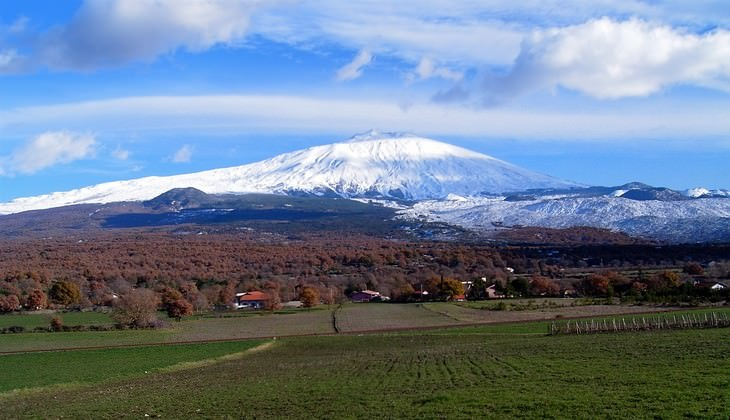 трекинг тур вулкан - трекинг в горах