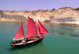 плавание туры выходные в лодке средиземноморье маленькие круизы на лодке Скала деи Турки