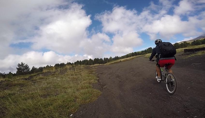 Горные велосипедные приключения на берегу Симето