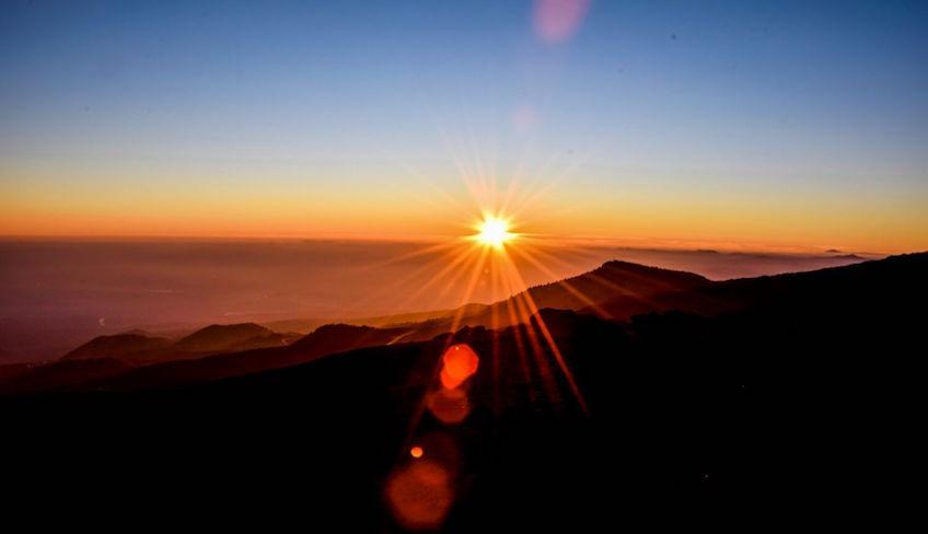 посетить гору этна на машине этна тур на закате из катании на этну