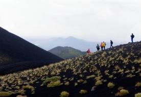 Природа Сицилии треккинг на вулкане активный спорт Сицилия Этна