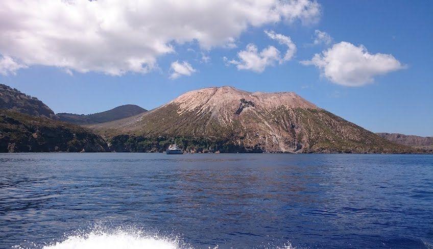 Тур Эолийские острова -